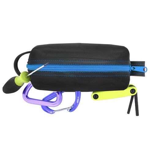 EarthHero - Elliott Mini Toiletry Bag 2