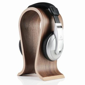 EarthHero - Walnut Wood Headphone Stand - 1
