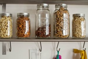 10 Tips to Buy in Bulk | EarthHero | Mason Jar Bulk