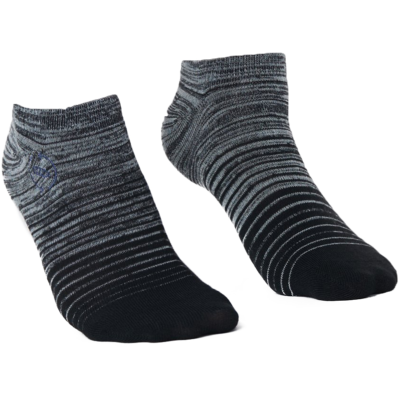 EarthHero - 2-Pack Green/Grey Gradient Recycled Polyester Ankle Socks - 3
