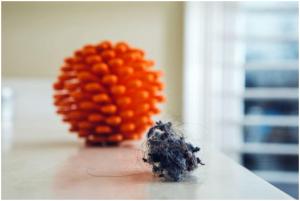 zero-waste-laundry-cora-ball-microfiber-laundry-ball-1