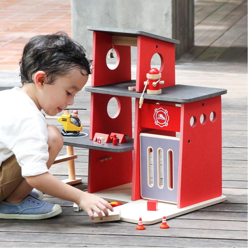 EarthHero - Pretend Play Fire Station Set - 2