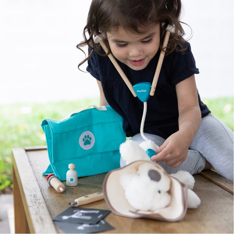 EarthHero - Pretend Play Kids Vet Set - 4