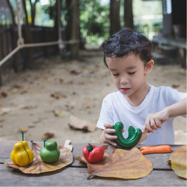 EarthHero - Wonky Veggie Play Food Sets - 5 piece - 2