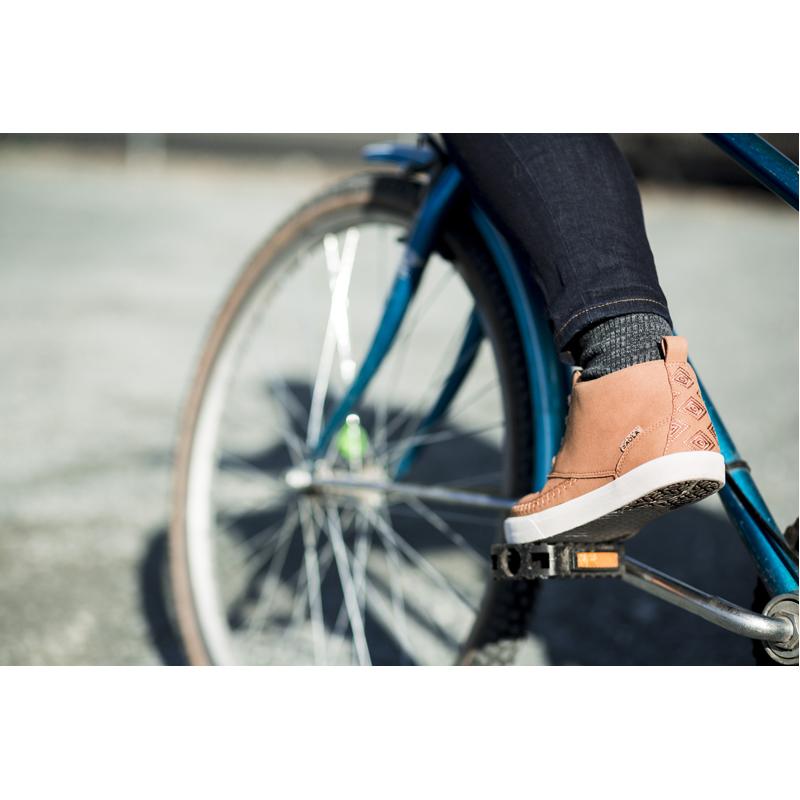 EarthHero - Women's Atakama Mid-Top Sneakers Vegan Shoes - 4