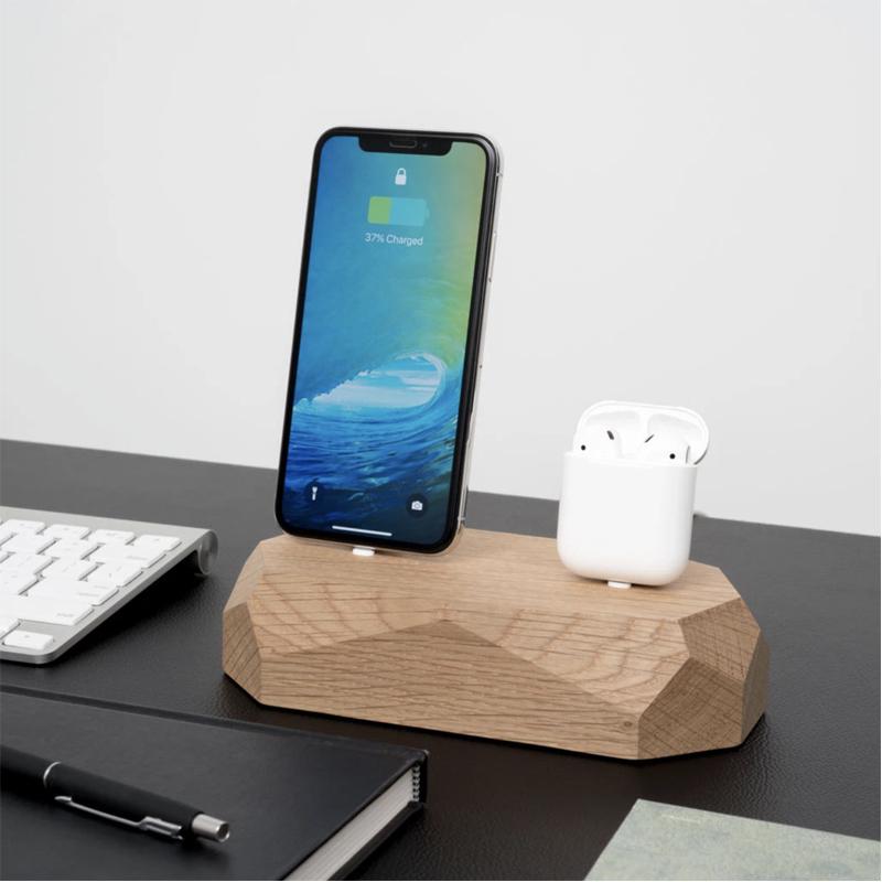 EarthHero - Dual Wooden iPhone Charging Dock - 6