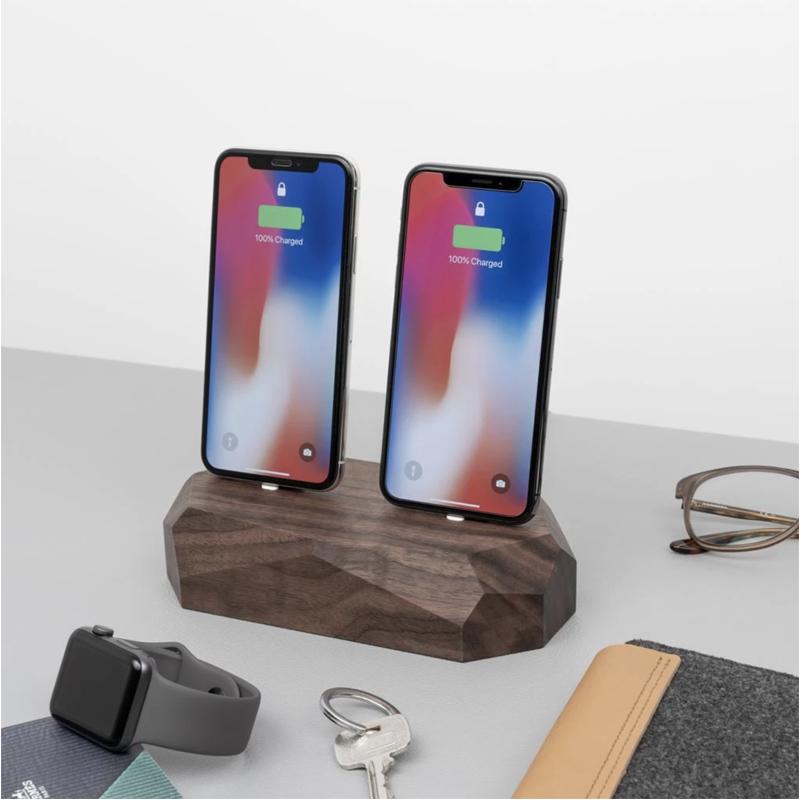 EarthHero - Dual Wooden iPhone Charging Dock - 3
