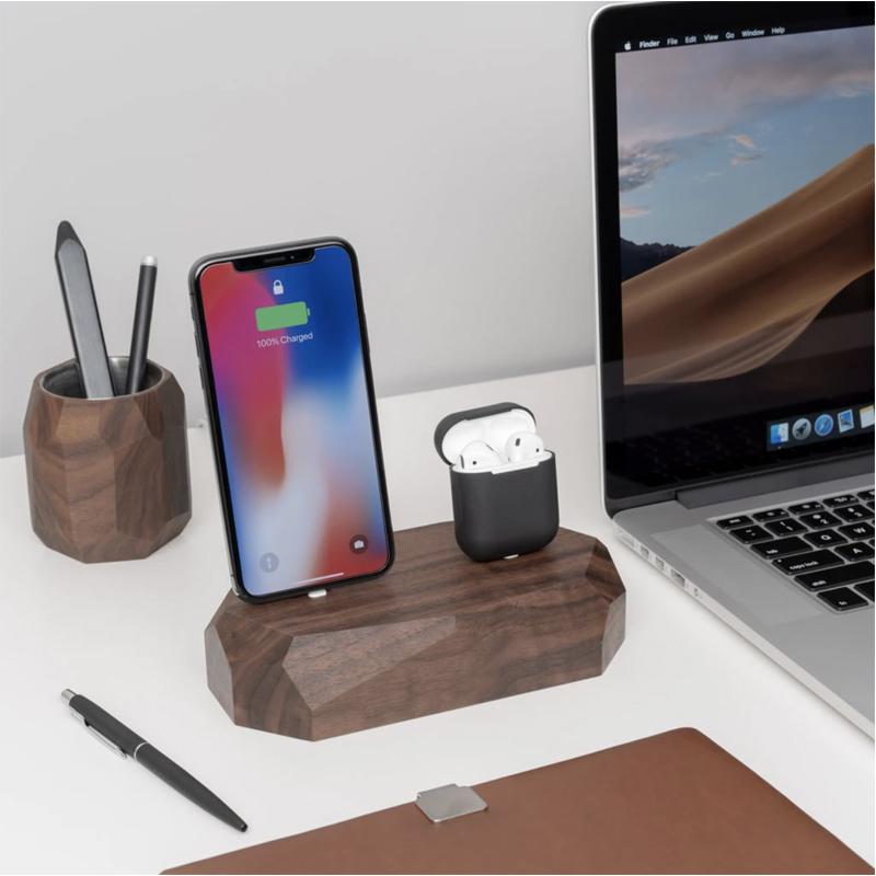 EarthHero - Dual Wooden iPhone Charging Dock - 4