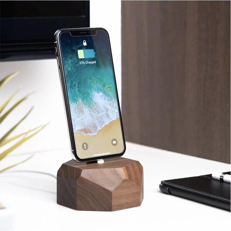EarthHero - Geometric Wooden iPhone Charging Dock - 5