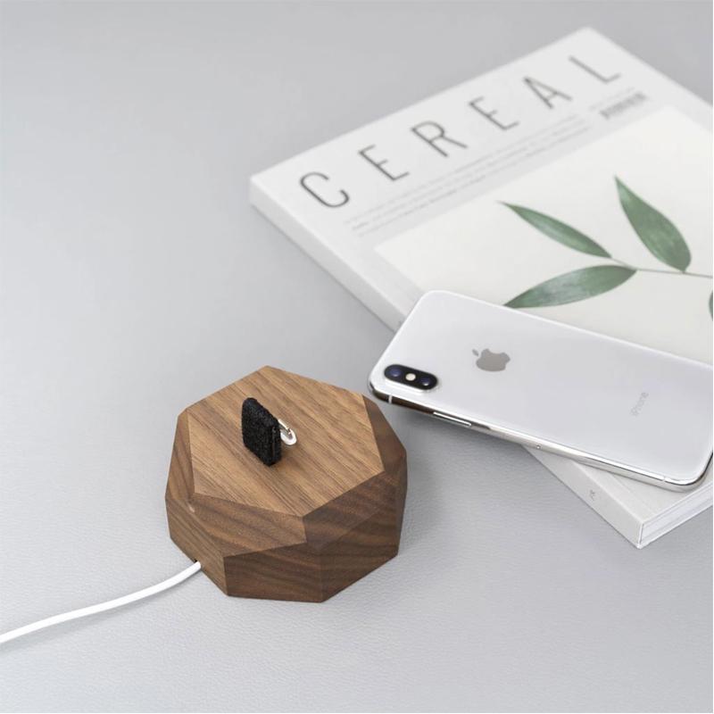 EarthHero - Geometric Wooden iPhone Charging Dock - 6