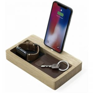 EarthHero - Organizer Wooden iPhone Charging Dock  - 1