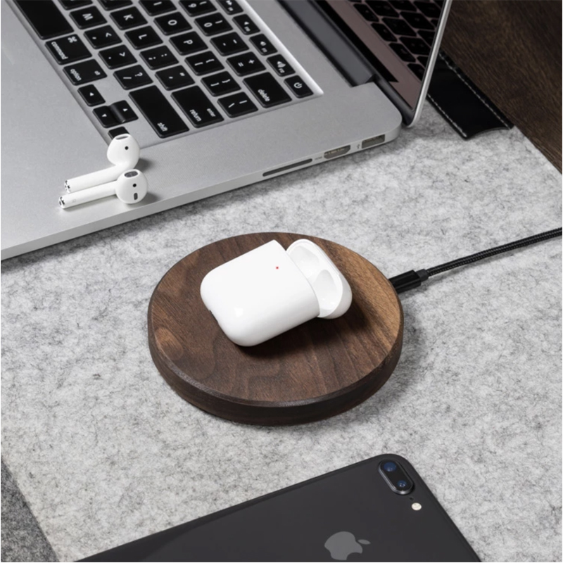 EarthHero - Slim Wooden iPhone Wireless Charger - 2