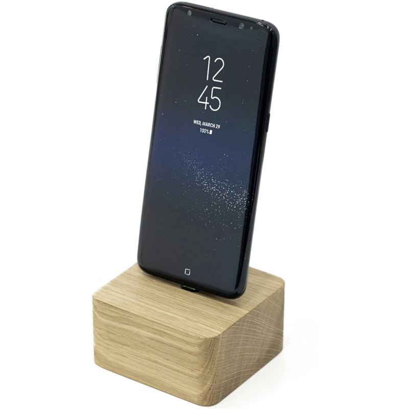 EarthHero - Square Wooden iPhone Charging Dock - 1