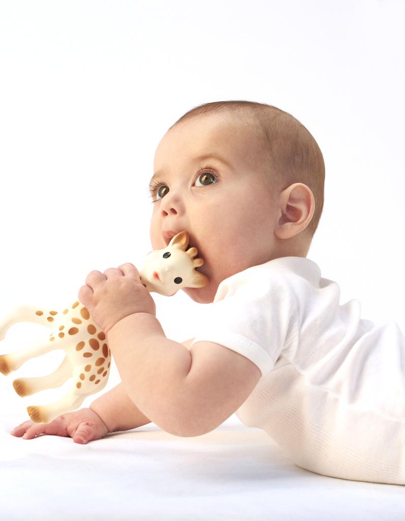 sophie la giraffe, EarthHero, zero wast baby registry, zero waste, baby toys, sustainable, nontoxic