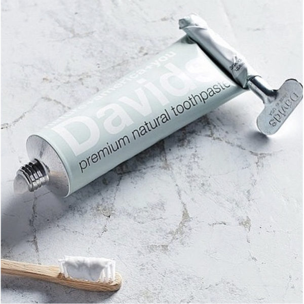EarthHero - Davids Peppermint + Charcoal Natural Toothpaste - 3
