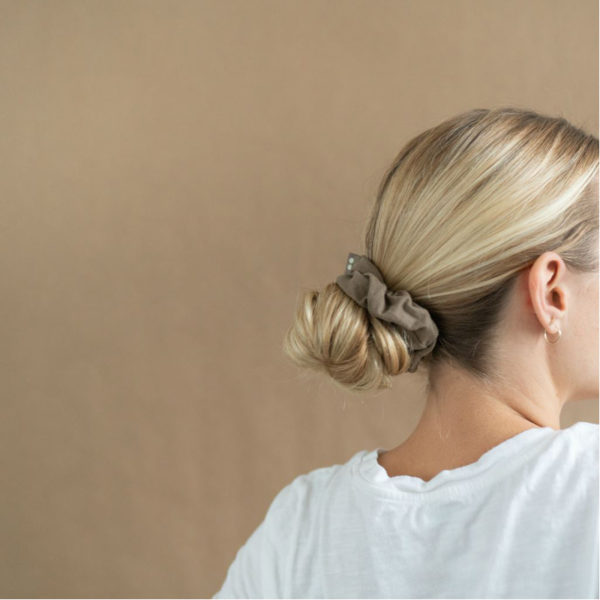 EarthHero - Blush Walnut Organic Hair Scrunchies 4