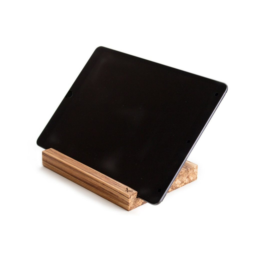 sustainable-corporate-gifts-recycled-bamboo-chopstick-tablet-stand